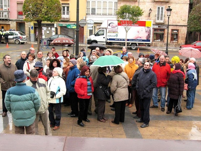 25-02-2006 Miranda de Ebro (el grupo en Plaza España)