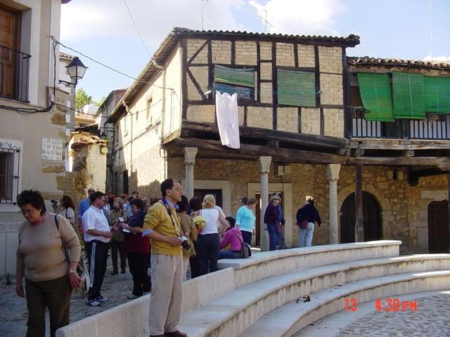 13-04-2005 Cuacos de Yuste (la tropa)