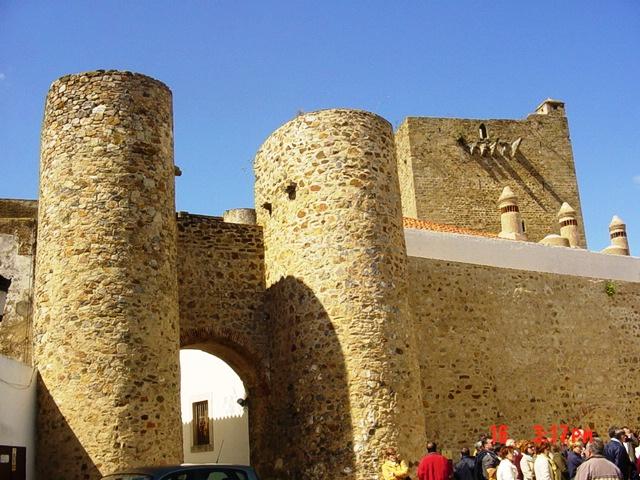 16-04-2005 Puerta de Alconchel en Olivenza