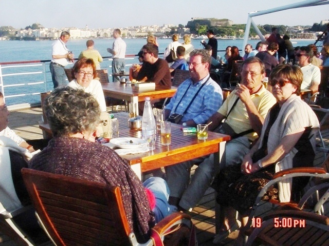 19-04-2007 las tertulias en el crucero