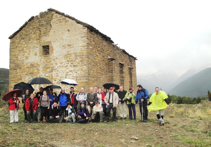Foto de familia en la ermita de San Antonio