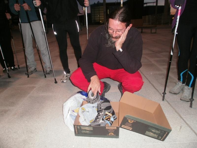 12-11-2012 Como Fermín con zapatos nuevos