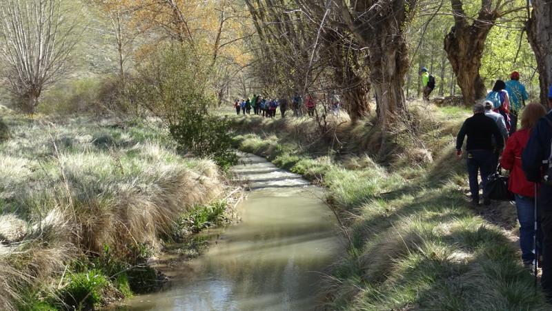 Por las orillas del río de La Val